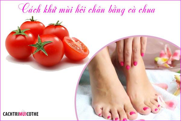 cách khử mùi hôi chân bằng cà chua